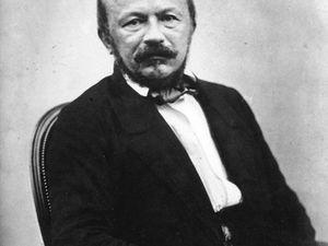 Baudelaire par Courbet, vers 1848 (image Wikipédia CC); Gérard de Nerval par Nadar (cliché Wikipédia CC)