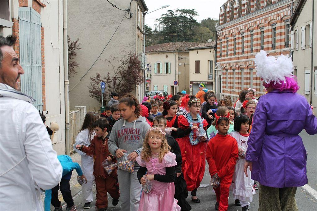 Mercredi 2 avril 2014 carnaval dans les rues de Graulhet...