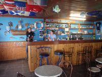 Lajes de Flores : son bar, sa marina, son phare