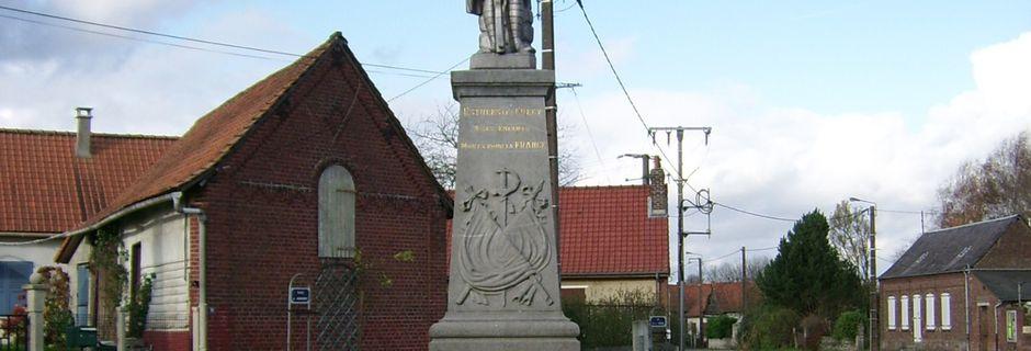 ESTREES-LES-CRECY: son monument aux morts