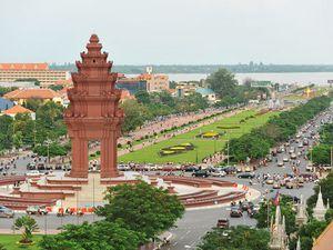 Image paradisiaque du Cambodge sur la page Facebook des étudiantes. Suivie de la carte du pays et du circuit des temples. Et enfin une vue Phnom Penh, la capitale, où elles vont aller travailler.