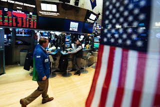 Equity World Surabaya : Saham AS Perpanjang Penurunan Menetapkan Dow Untuk Penurunan Terburuk Mingguan