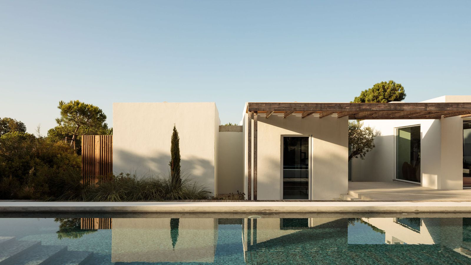 DISCOVER THE 'COMPORTA 10' RESIDENCE IN PORTUGAL, DESIGNED BY FRAGMENTOS ARCHITECTS
