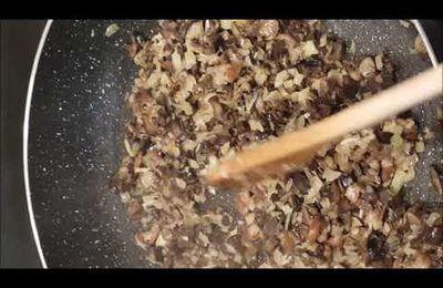Bonbons feuilletés croustillants aux escargots et champignons