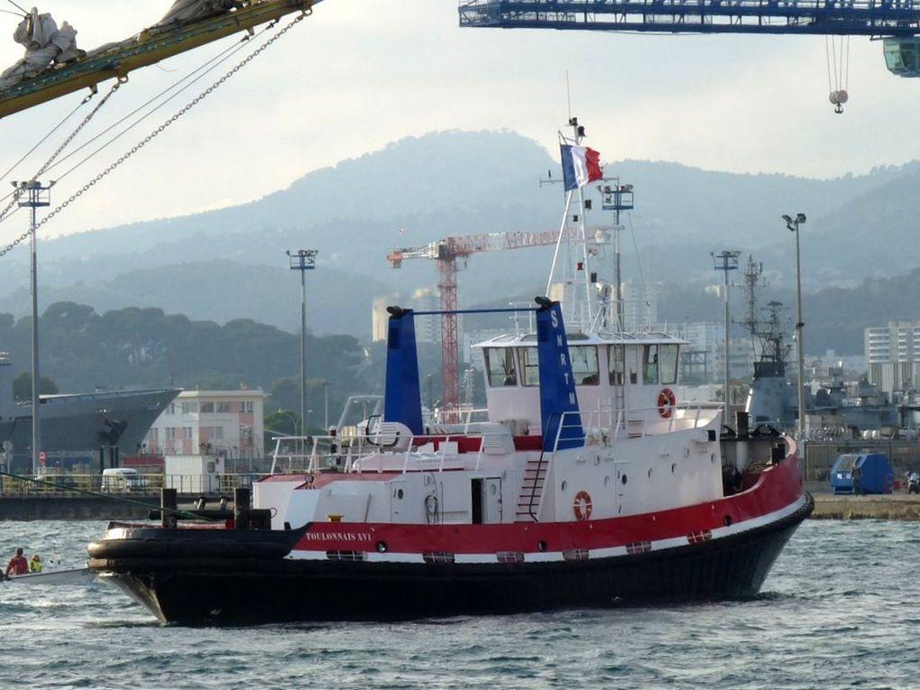 TOULONNAIS XVI , remorqueur du port dr Toulon