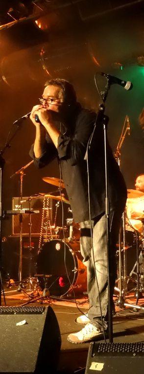 Les Chillidogs & The Sharpers en concert à Chailles - Par l'association Lucky Seven...  Plus d'infos sur http://www.clodelle45autrement.fr/article-ten-bad-legs-premier-album-pub-rock-des-chillidogs-119741593.html