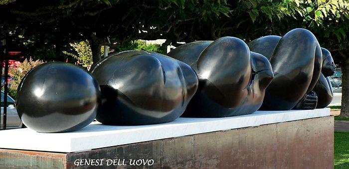 Exposition de scluptures de Jimenez Deredia à la Baule.© Christian Moreau 2011.