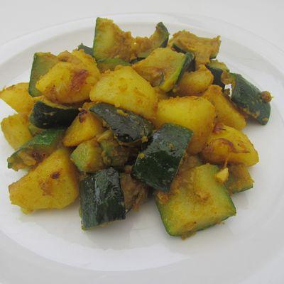 Curry de pommes de terre & courgettes
