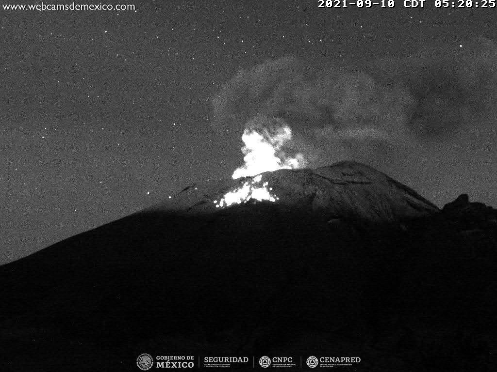 Popocatépetl -  explosion du 10.09.2021 05h20 - WebcamsdeMexico