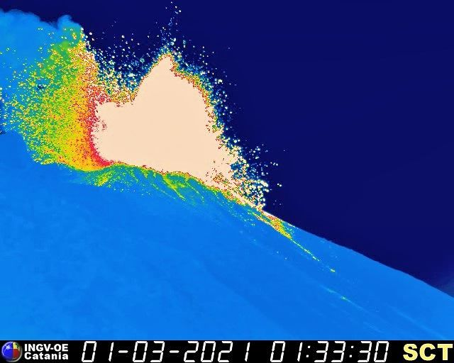 Stromboli - 01.03.2021  / 01h33 - webcam tgerm. INGV OE