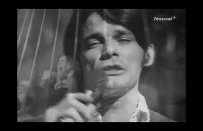 Le son du jour ~ BJ Thomas - Raindrops Keep fallin' on my head