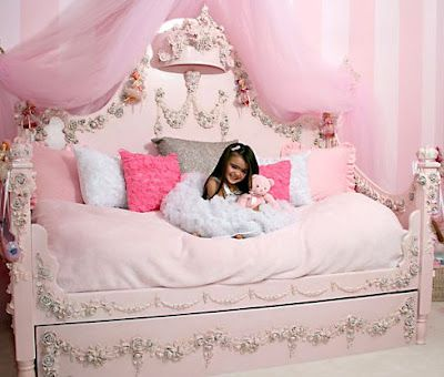 Fantasy Themed Beds: Let your kid's fantasy world come alive
