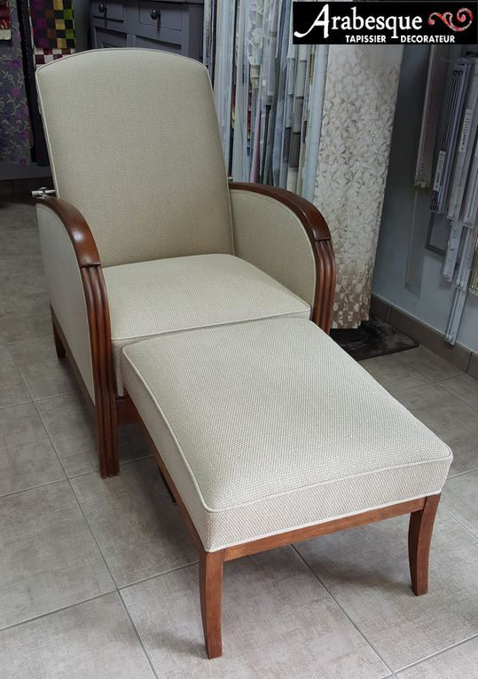 restauration fauteuil studio tissu lin finition cire arabesque tapissier decorateur thiers 63