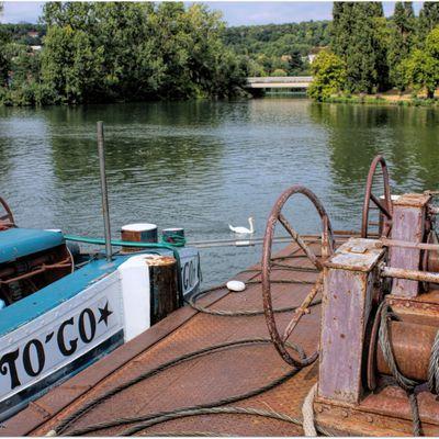 """""""To'Go"""" et """"Push-Me"""" sont des bateaux.."""