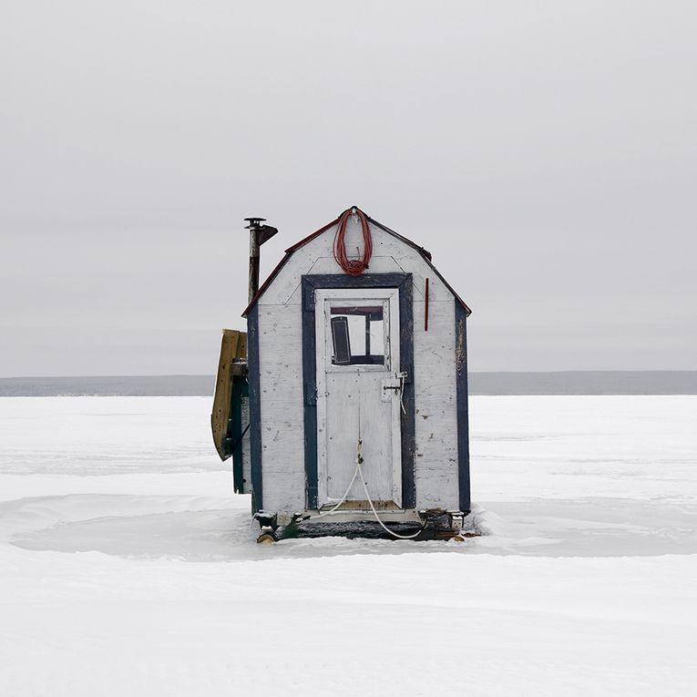 CANADA. Richard Johnson parcourt le Canada pour photographier les cabanes de pêcheurs