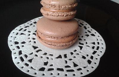 Macarons chocolat.