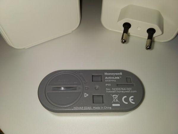 découverte du pack sonnette + carillons lumineux dont un sans fil Honeywell Series 5 (référence DC515SHGP2) @ Tests et Bons Plans