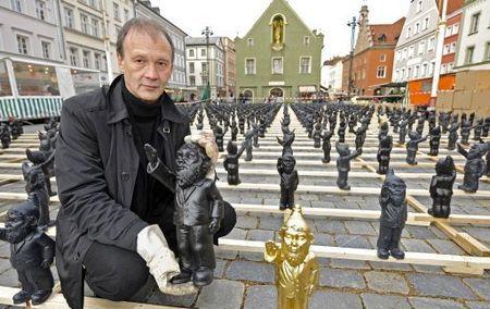 Poisoned Gnome (Nain Nazi) de Ottmar Hörl... petite explication.