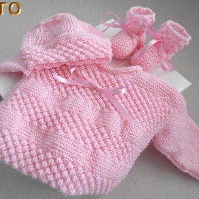Tutoriel ensemble brassière bonnet chaussons bébé rose ou blanc