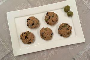Sablés au sarrasin, olives vertes, tomates séchées et sésame