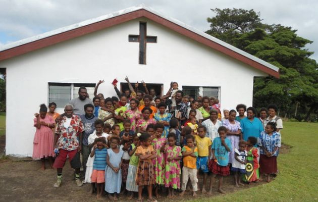 La paroisse de Lamlu (Vanuatu) et Ste Marie la Seyne (France) /..../ The parish of Lamlu (Vanuatu) and Ste Marie la Seyne (France)