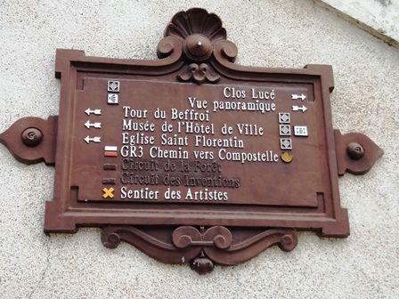 Amboise : quelques clichés - château, statue Louis XI, fléchage...