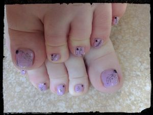 Nail Art Stamping spécial pieds avec Née Jolie....