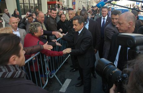Yun interviewé par «Zhoumo Huabao » (Modern weekly) sur la déclaration de Nicolas Sarkozy du 20 mars 2014