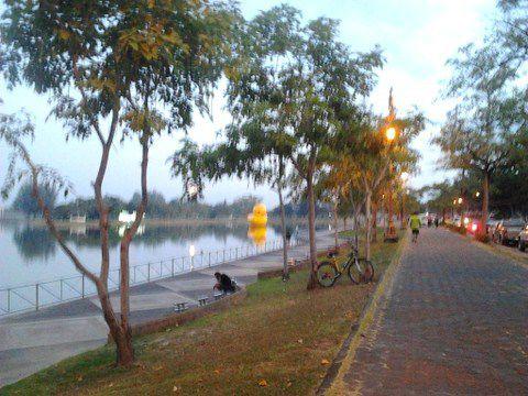 Aujourd'hui 2000 kilomètres autour du lac Nong Prajak