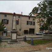 Monument et croix à Pérignat sur Allier - L'Auvergne Vue par Papou Poustache
