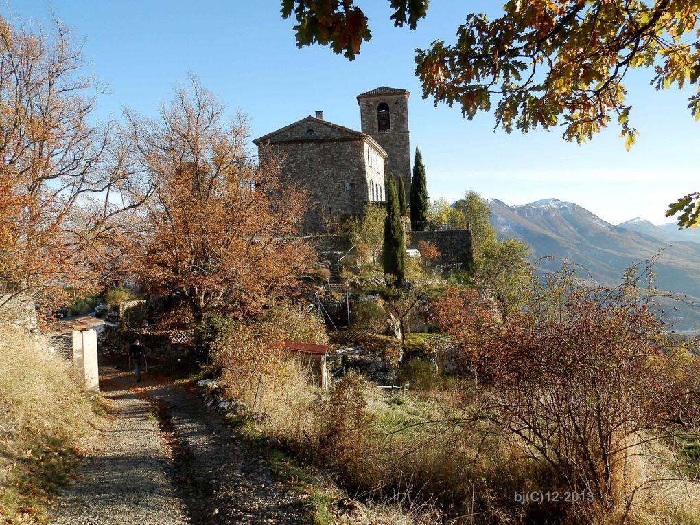 COURBON Nid d'Aigle du Dignois ( Alpes de Haute Provence ) - DIAPORAMA SONORISABLE