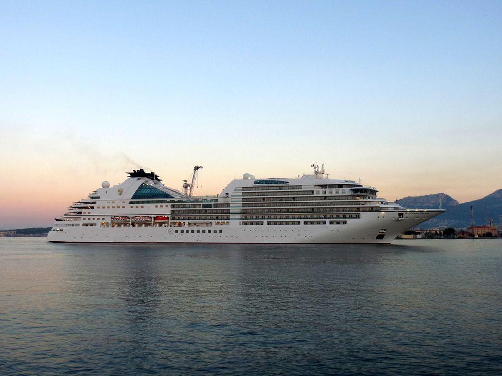 SEABOURN OVATION  , arrivant au port de Toulon  le 21 octobre 2018