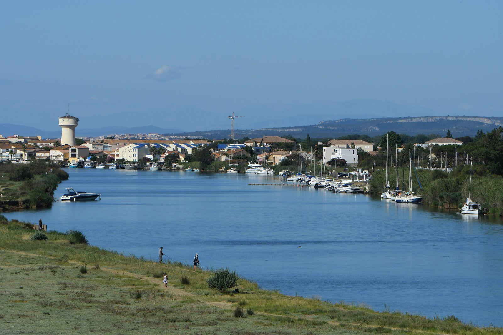 Panorama à 360°: on aperçoit Portiragnes et son château d'eau