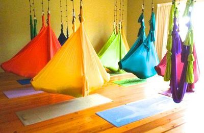 LE YOGA HAMAC, FLYING FITNESS