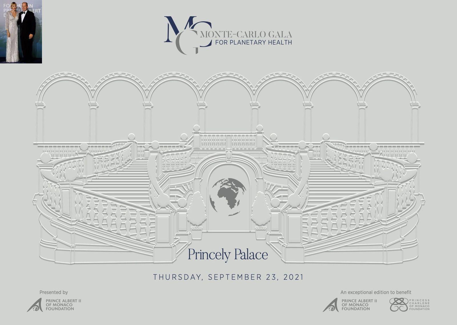 "Gala nella corte del ""Palais Princier de Monaco"" : Sharon Stone giunge al braccio del Principe  d'Alberto II"