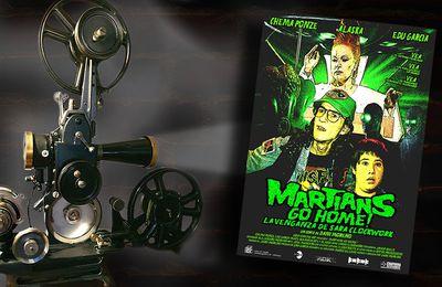 👽🎬 DANI MORENO - MARTIANS GO HOME ! (LA VENGANZA DE SARAH CLOCKWORK, 2006)