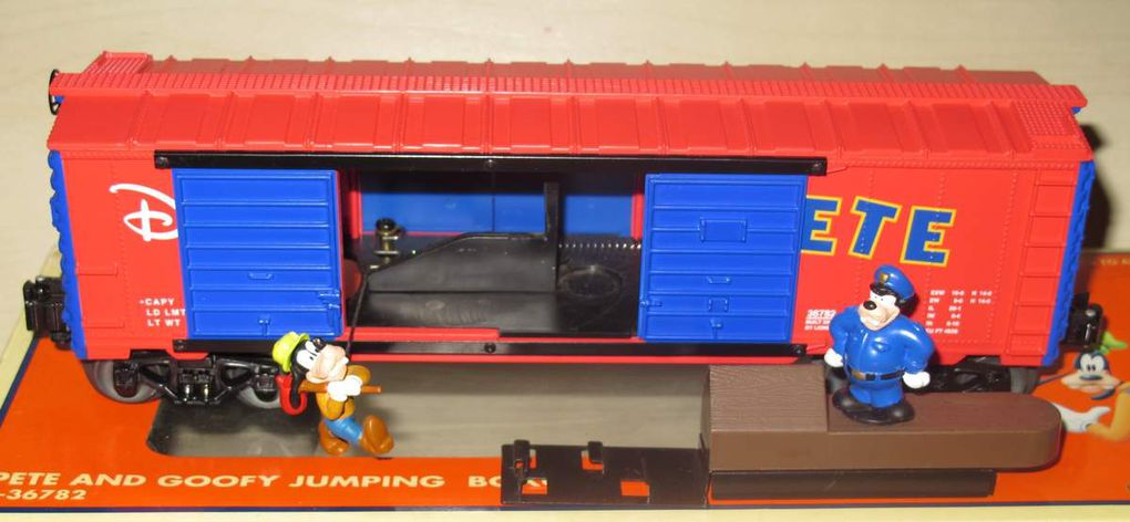 Pete and Goofy Jumping Boxcar 3 rails échelle O Lionel