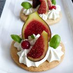 Tartelettes au figues et chantilly Roquefort