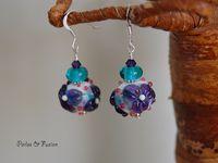 boucles d'oreilles en verre et perles fleuries
