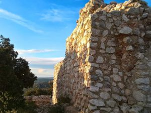 L'oppidum d'Untinos (St Antonin sur Bayon)