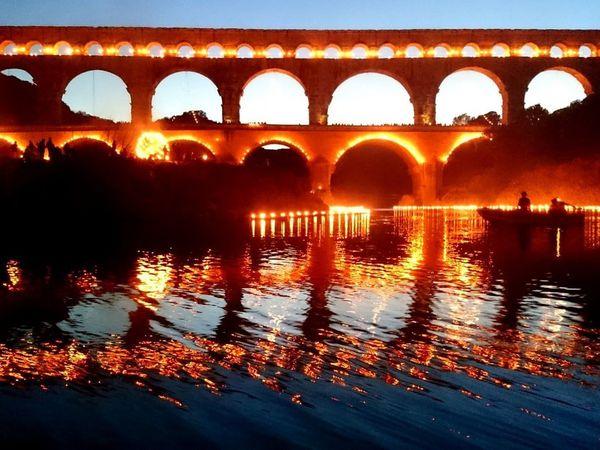 Quelques uns des plus beaux spectacles nocturnes :St Cloud, La Défense, Le Pont du Gard, Disneyland Paris, Carcassonne