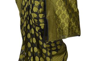 Bandhej Sarees online: buy traditional sarees with all comfort