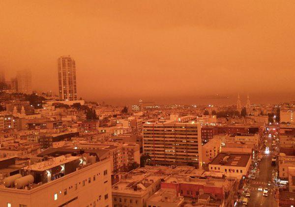 Californie: La situation empire, l'un des nombreux feux bat un record en superficie