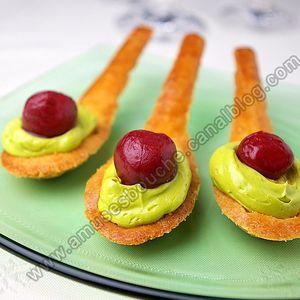 Cuillères sablées et crème de pistache