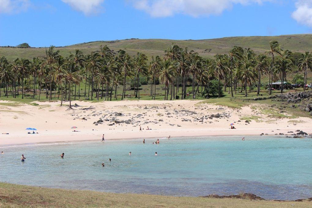 2 plage d'Anakena avec ahu Ature Huki et ahu Nau-Nau