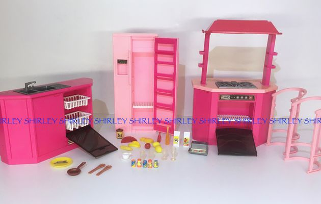 KITCHEN PLAY SET 1987