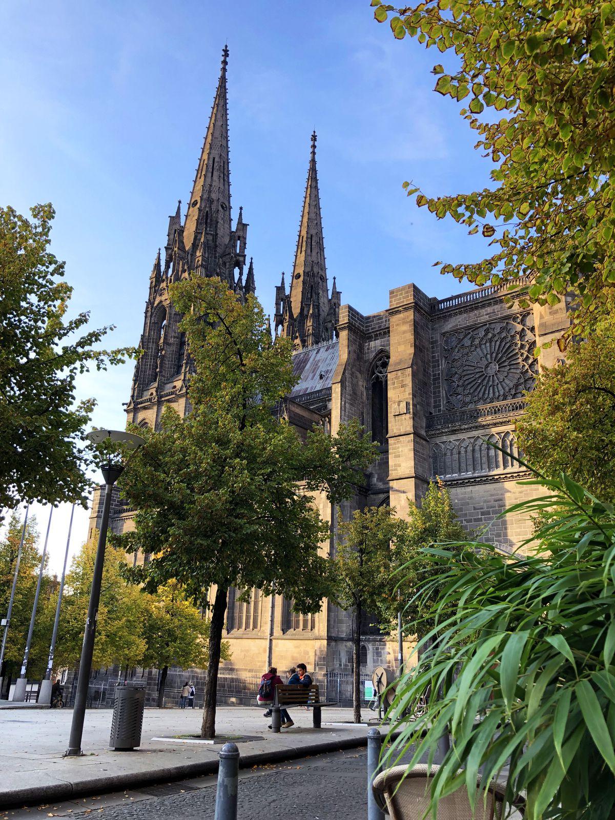 Week-end sur Clermont-Ferrand... Place de la Victoire et Brasserie Madeleine