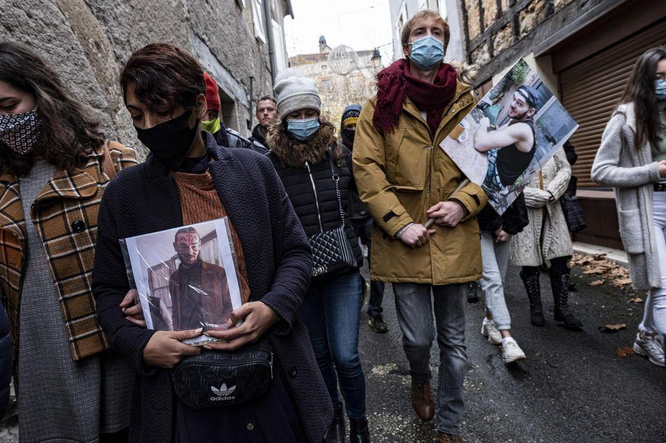 Lors de la marche blanche organisée en hommage a Morgan Keane à Cajarc, le 5 décembre.