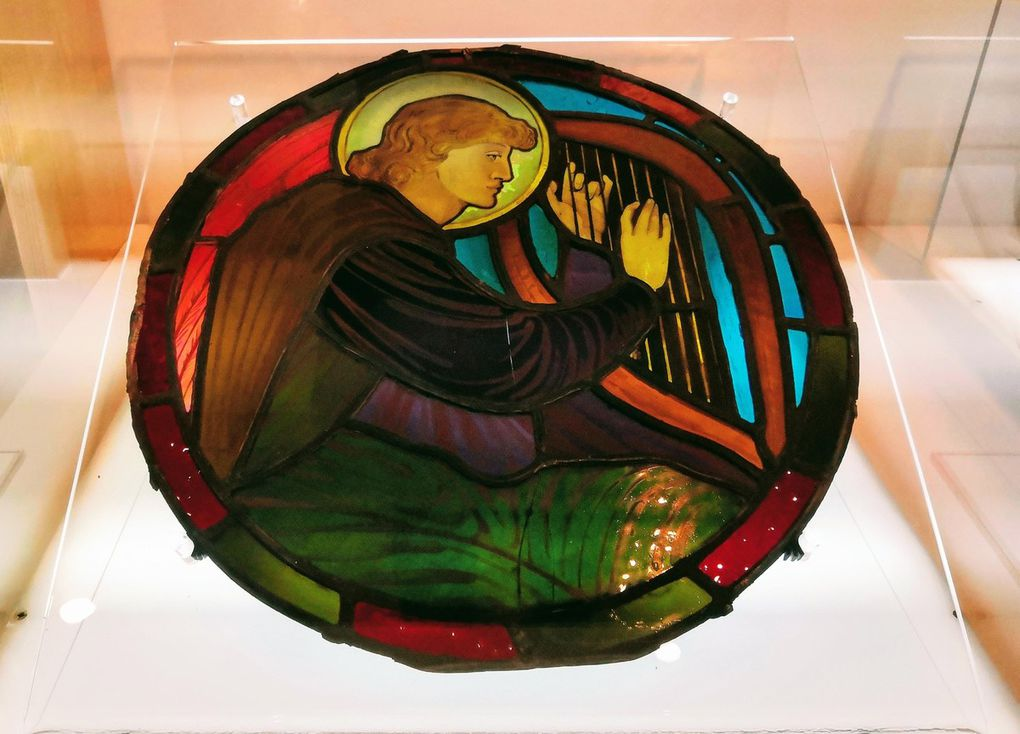 E. Burne-Jones, Angel musicians, late 1800s, Stained and leaded glass