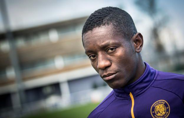 Football : relégué en ligue 2, les supporters de Toulouse FC ne veulent plus de Max Gradel